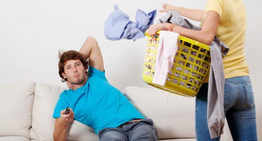 10 astuces pour rendre votre amoureux macho et jaloux en un tre doux et agr able. Black Bedroom Furniture Sets. Home Design Ideas