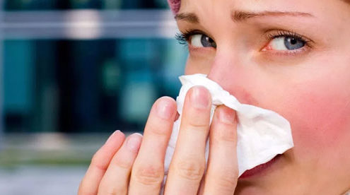 5 astuces et remèdes de grand-mère pour soigner le rhume