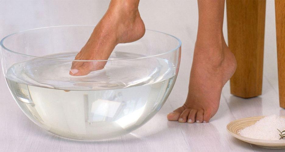 Se laver minutieusement les pieds